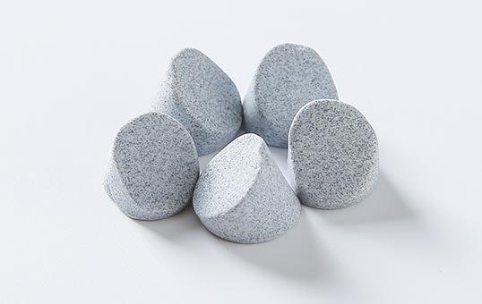 1.-Agressive-cutting-ceramic-media