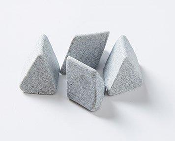 1.-Ceramic-deburring-media-1