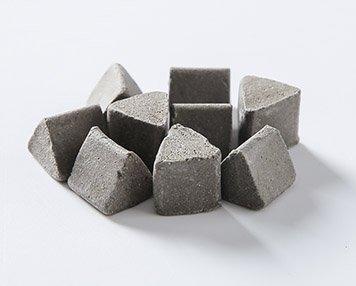 3.-Silicon-carbide-Deburring-Media