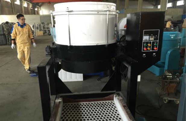 Centrifugal-disc-finishing-machine-automatic-unloading