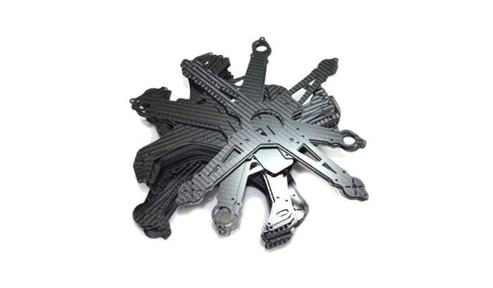 Deburring-carbon-fibre-plastic-cut-parts