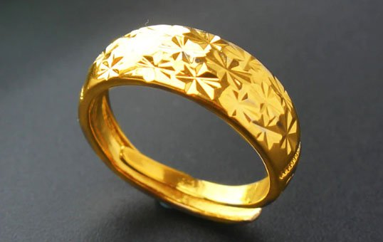 Gold-Ring-Polishing-1