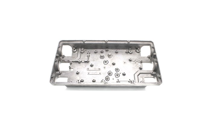 Polishing-aluminum-cast-part-in-telecommunication