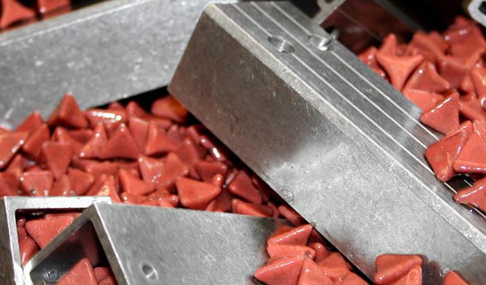 aluminum-parts-deburring-with-plastic-media