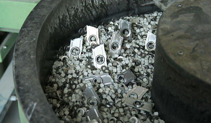 ceramic-media-deburring-and-polishing-machining-parts