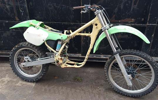 dirt-bike-frame-polishing