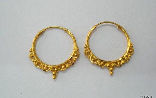 gold-earring-polishing
