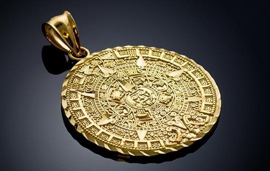 gold-pendant-polishing