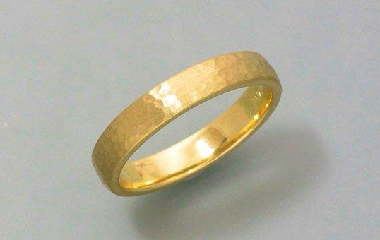 gold-ring-polishing
