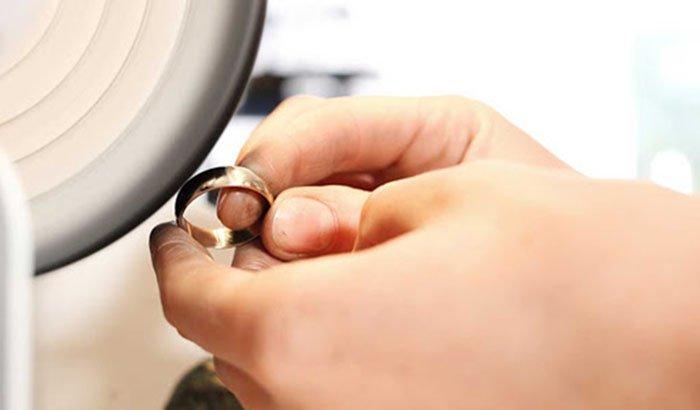 jewelry-polishing-machine-manually