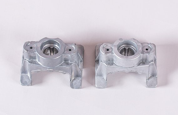magnesium-parts-before-and-after-deburring-2