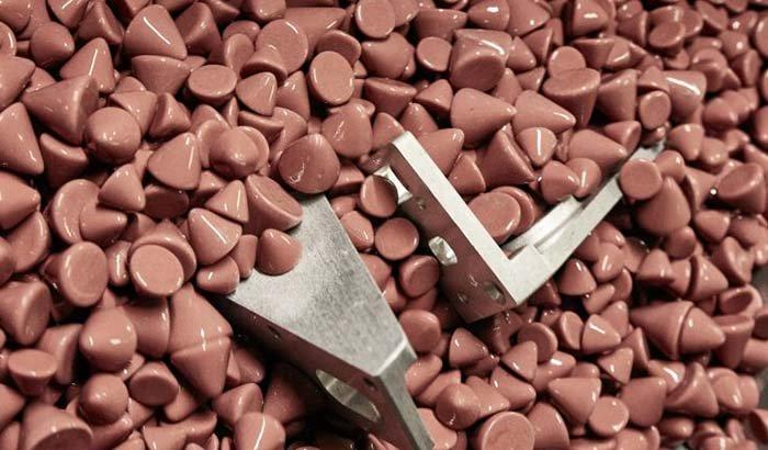 metal-surface-smoothing-withc-eramic-media