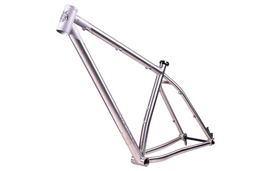 racing-bike-frame-polishing