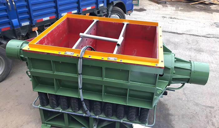 rectangular-linear-tub-vibratory-tumbling-finishing-machine