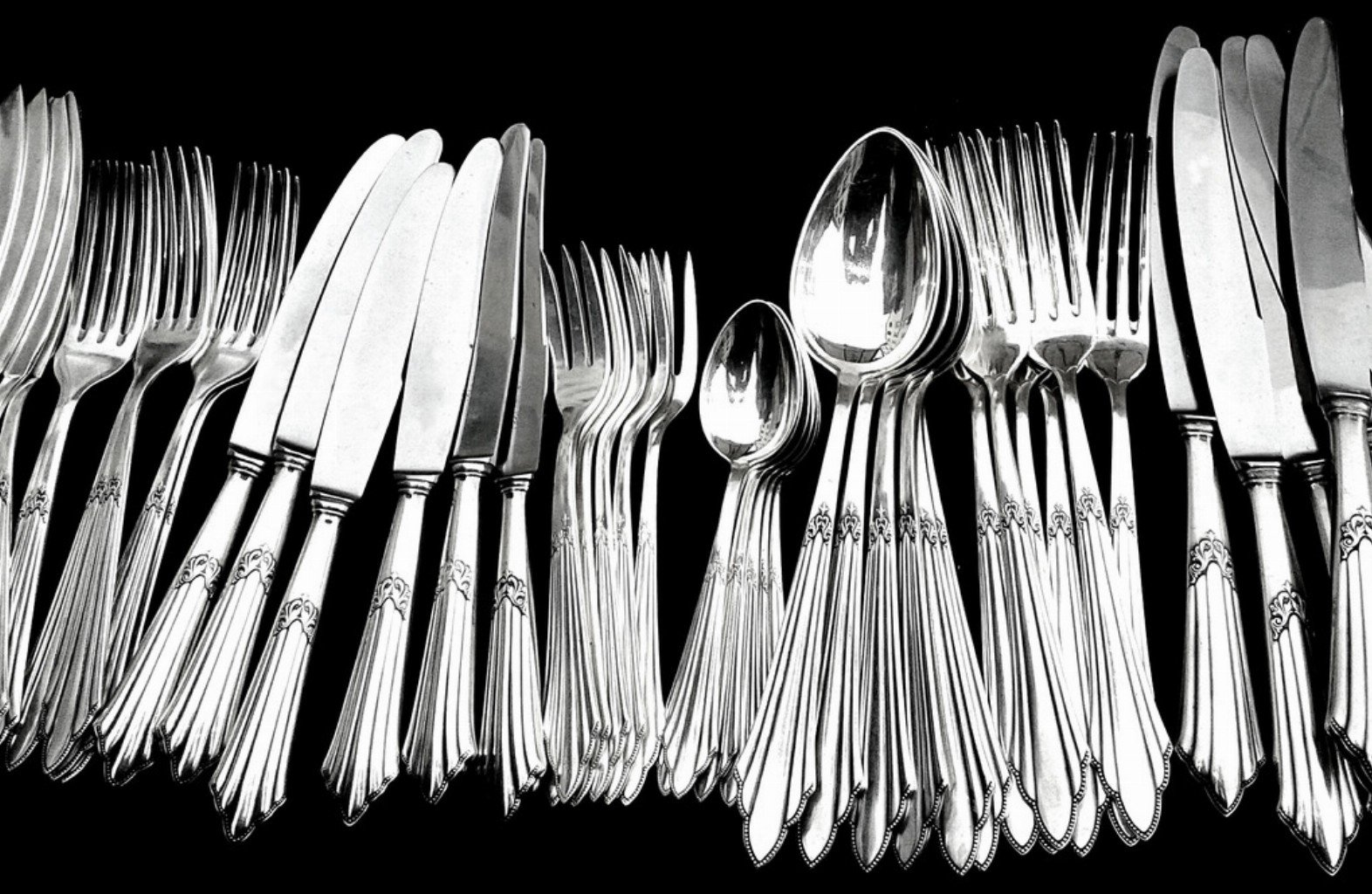 silver-cutlery-polishing