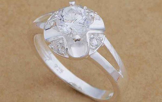 silver-jewelry-ring-parts-polishing