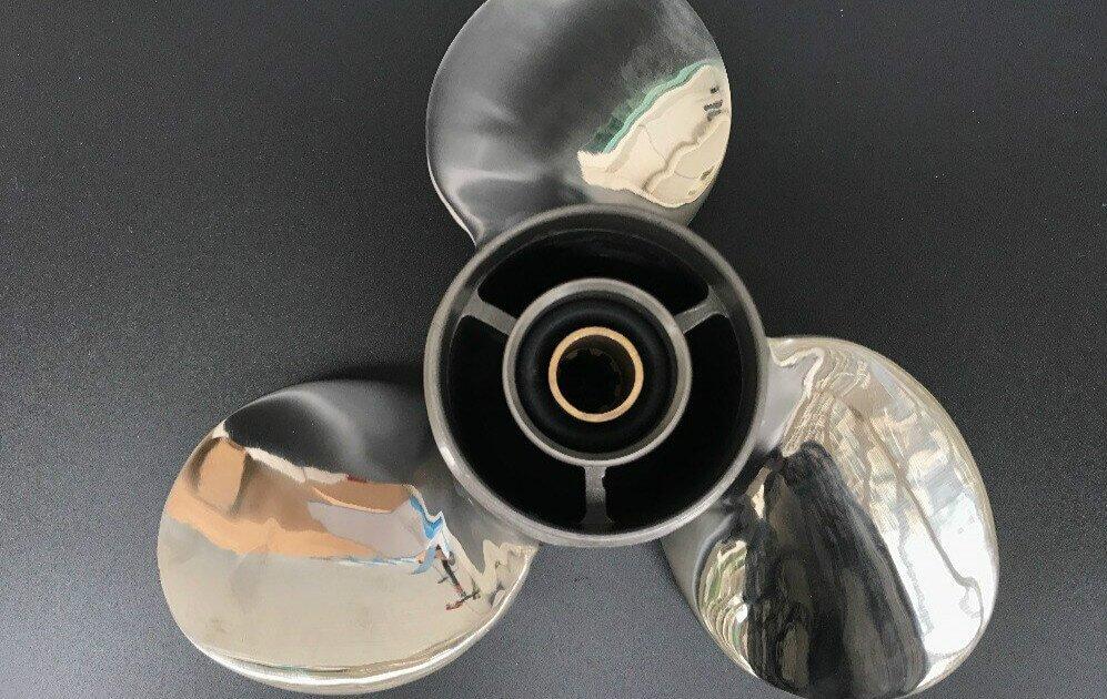 stainless-steel-boat-propeller-polishing
