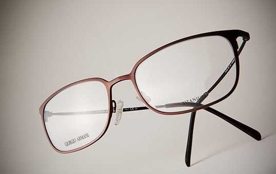 titanium-eyeglass-frame-polishing