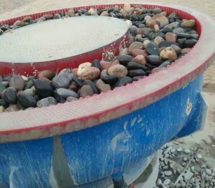 vibratory-finishing-machine-for-pebbles-stone-polishing