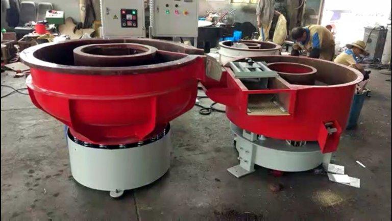 vibratory-finishing-machine-with-vibratory-dryer-768x433