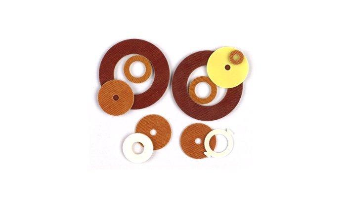 Deflashing-plastic-stamping-parts