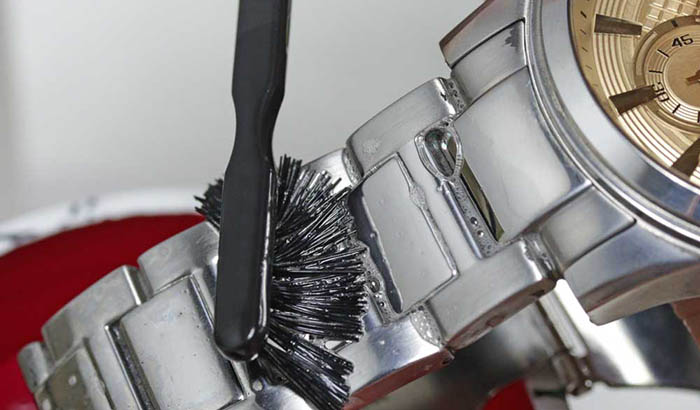 Figure-1-manual-watch-polishing