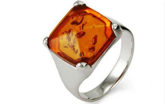 amber-rings-polishing